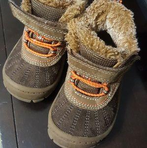 Oshkosh baby boots
